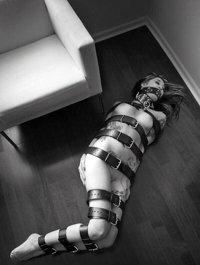 Huge Ass Slave Gets Gangbang Bondage