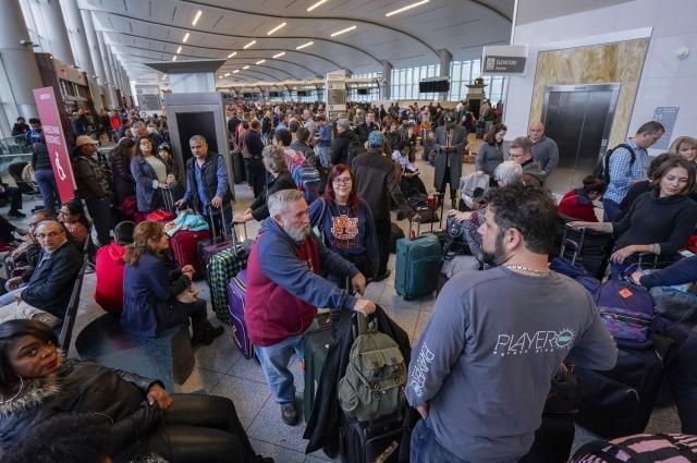 US-Stadt Atlanta: Totaler Stromausfall - Chaos am verkehrsreichsten Flughafen der Welt https://t.co/bpptVeay5m