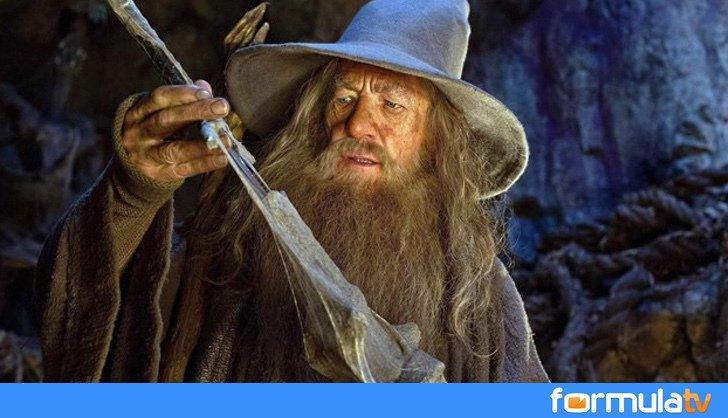 Ian McKellen está deseando volver a ser Gandalf en la serie de 'El señor de los anillos' https://t.co/GcDUO41A21 https://t.co/JfPqVi8Ci8