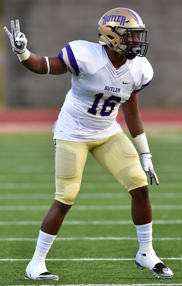 Hassan Belton @allamerican_5 @ Butler JuCo @ButlerGrizzlyFB picks up @UTEPFB Offer @ChaosTempo
