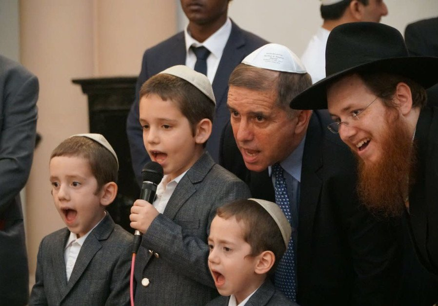Touching story and what perfect timing for #Chanukah    Ambassador @danielocarmon of @IsraelinIndia rededicates two of #India&#39;s oldest Synagogues!  http:// bit.ly/2CWBpoy  &nbsp;    @Jerusalem_Post @Indians4Israel<br>http://pic.twitter.com/krjCfZIq8O