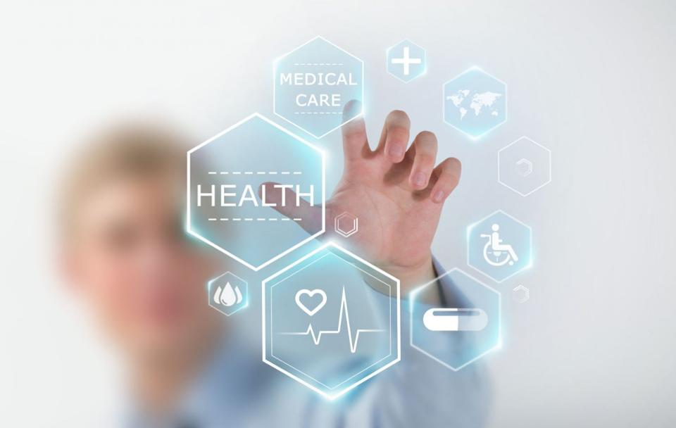 How #Blockchain, #AI And Other Tech Trends Will Disrupt #Healthcare In 2018  https://www. forbes.com/sites/julianmi tchell/2017/12/15/how-blockchain-a-i-and-other-tech-trends-will-disrupt-healthcare-in-2018/#30892639127f &nbsp; …  <br>http://pic.twitter.com/SCK2N3AtZw