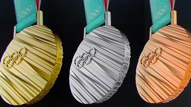 평창 올림픽 메달 디자인 특허 등록…우리 민족의 정체성을 상징하는 한글과 개최도시 평창의 아름다운 자연을 모티브로 제작. https://t.co/dlq3me8RHa