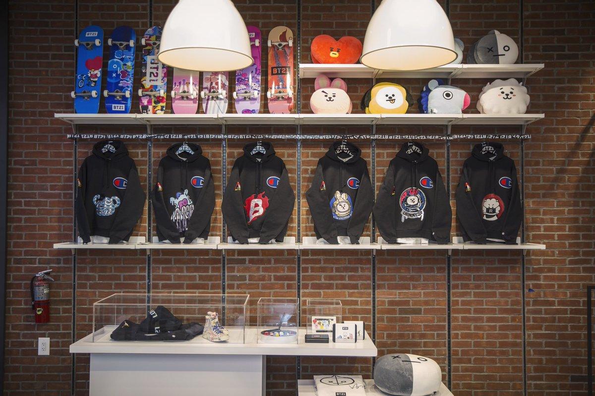 Bt21 japan official bt21 japan twitter for Store fenetre new york