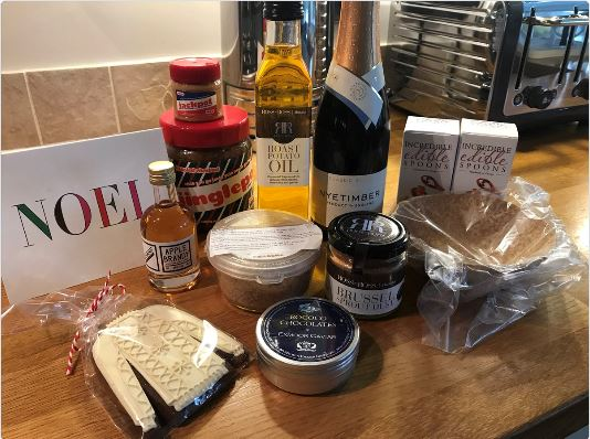 Our #holiday Taste Test Boxes have all been sent ! Here is what is inside to try Taste &amp; Review. A great selection of new products. Thanks to everyone who has product in the box. Putting together our #January box which is #free to receive RT &amp; follow link  http://www. triedandtesteduk.com/taste-test-pan el.html &nbsp; …  <br>http://pic.twitter.com/yXhUAOI2jU