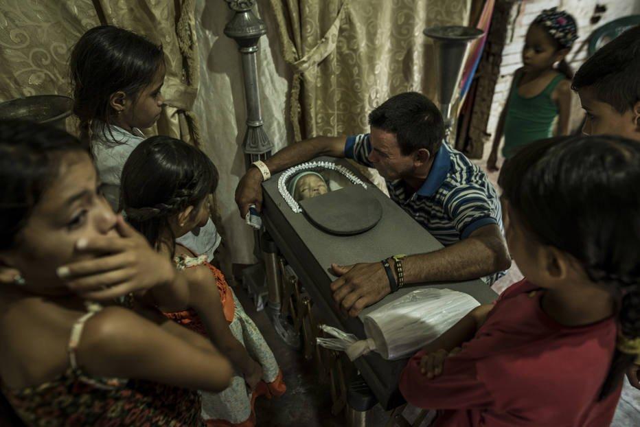 Crise se agrava e crianças morrem de fome na Venezuela https://t.co/U26c5kaUK6