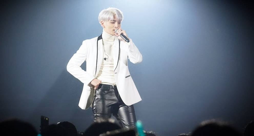 JUST IN: #SHINee's Jonghyun found dead in his home, according to reports https://t.co/zOZLlLGdDg