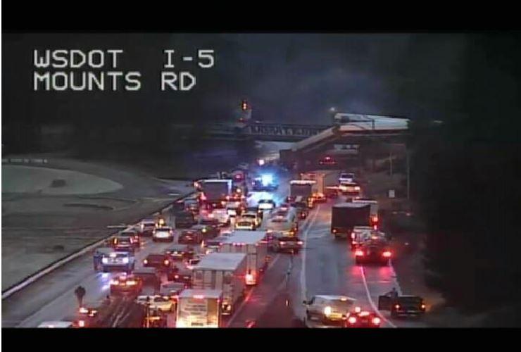 Developing: Amtrak train derails near Seattle onto the I-5 freeway https://t.co/XfF79Hxdfj