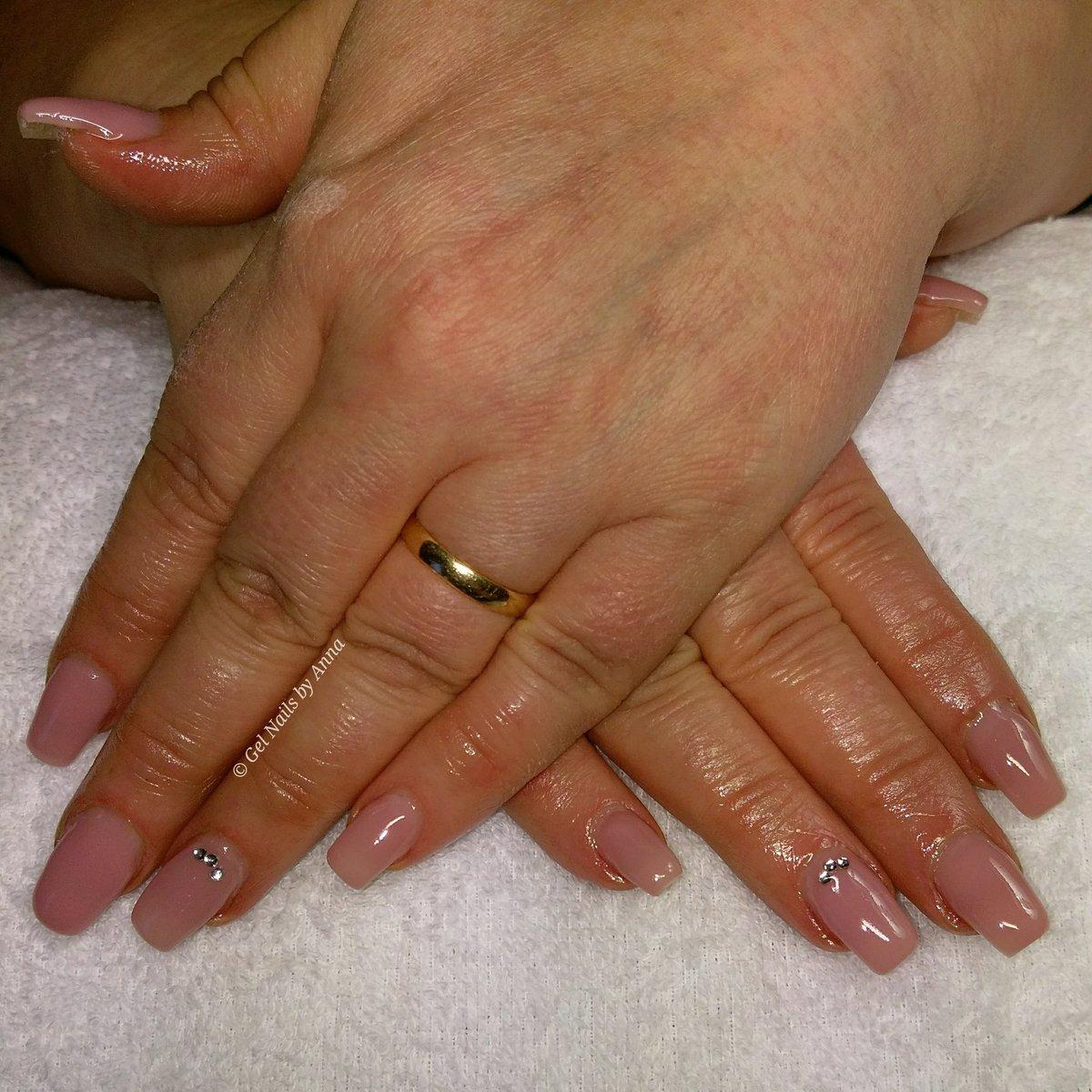 naglar haninge