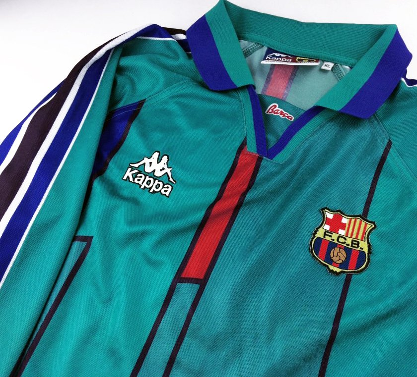 92dc24b73 Match worn 1995-96 Barcelona away by Kappa European Competition didn t  alloy teams to wear Kappa logos on the sleevepic.twitter.com Uros7tpnp5
