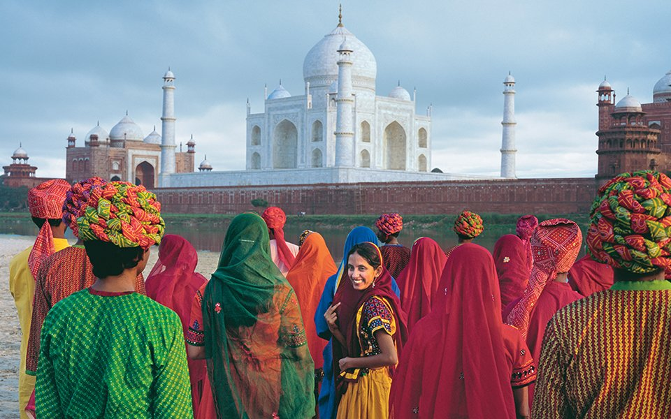 Most popular monuments of love in the world #TajMahal #FamousLandmarks   #Agra #India <br>http://pic.twitter.com/Nb8C8avQ1E