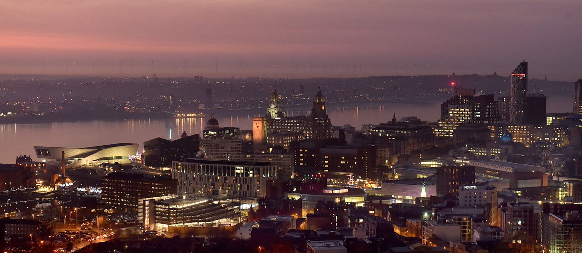 RT @spikeysnapperJ: Amazing red sky over Liverpool tonight @LivEchonews #liverpool #skyline #city https://t.co/F3LYkmeVnE