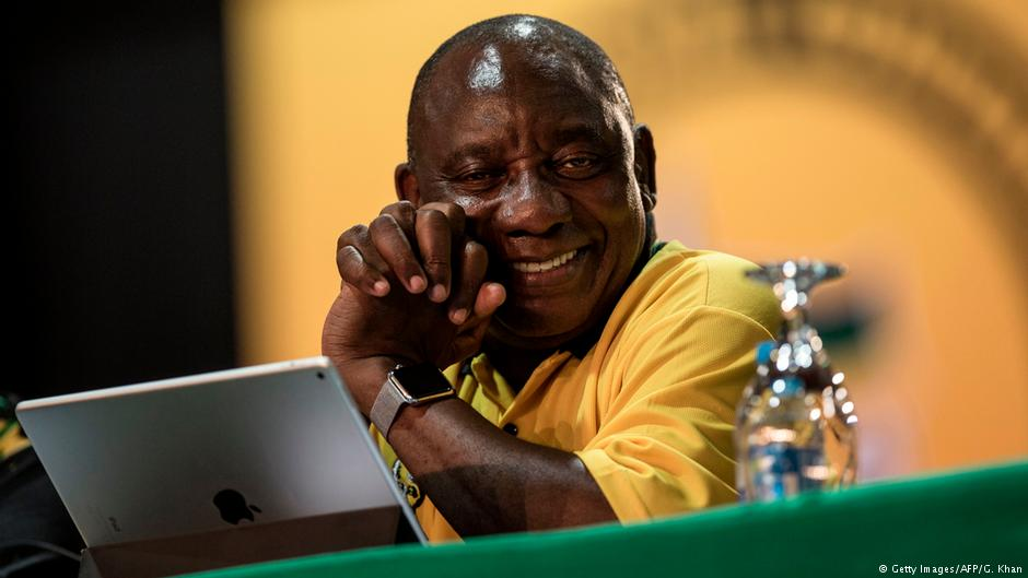 South Africa's ruling ANC elects Cyril Ramaphosa as new leader https://t.co/Jhnw5UeC0S