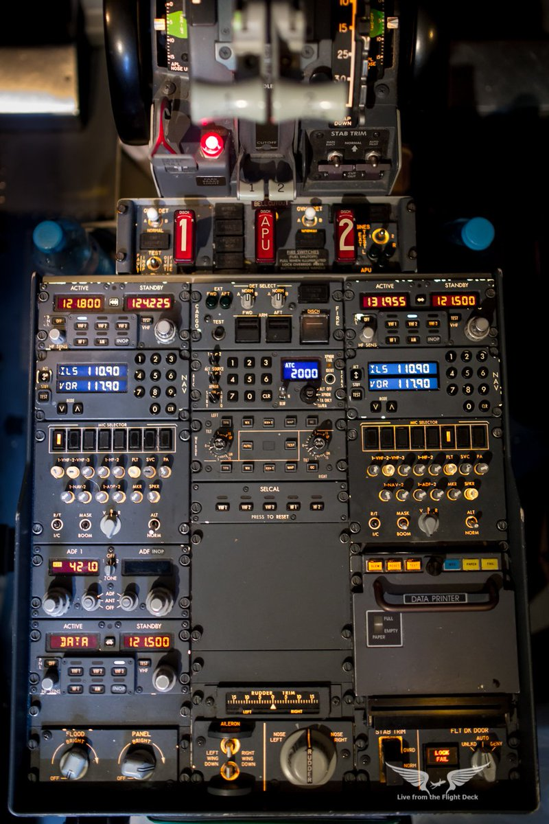 Boeing 737 central pedestal, with radionav boxes, fire panels, rudder and aileron trims, selcal, printer, and weather radar controls #avgeek #Aviation <br>http://pic.twitter.com/Hxp91xDt6p