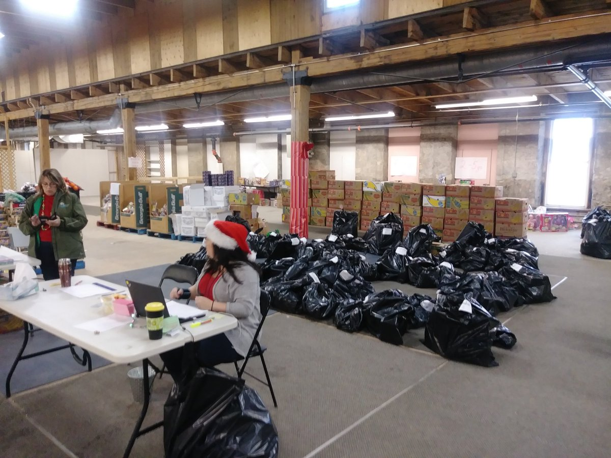 Cambridge Food Bank On Twitter Our Little Elves Hard At