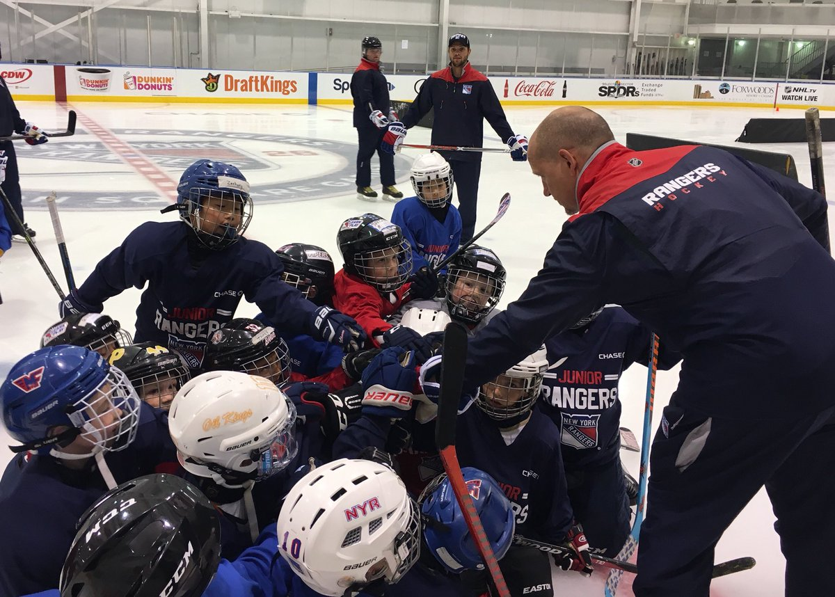 759be690 Register your #JrRanger at http://nyrangers.com/community/Youth-Hockey-Camp  … Don't forget you still have a chance to win #WinterClassic ...
