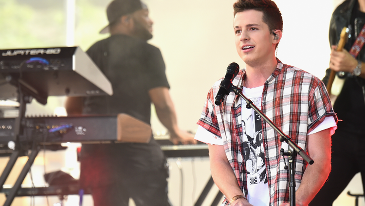 #charlieputh announces the #VoicenotesTour with #HaileeSteinfeld 👏👏👏 https://t.co/oiPFAglHsv