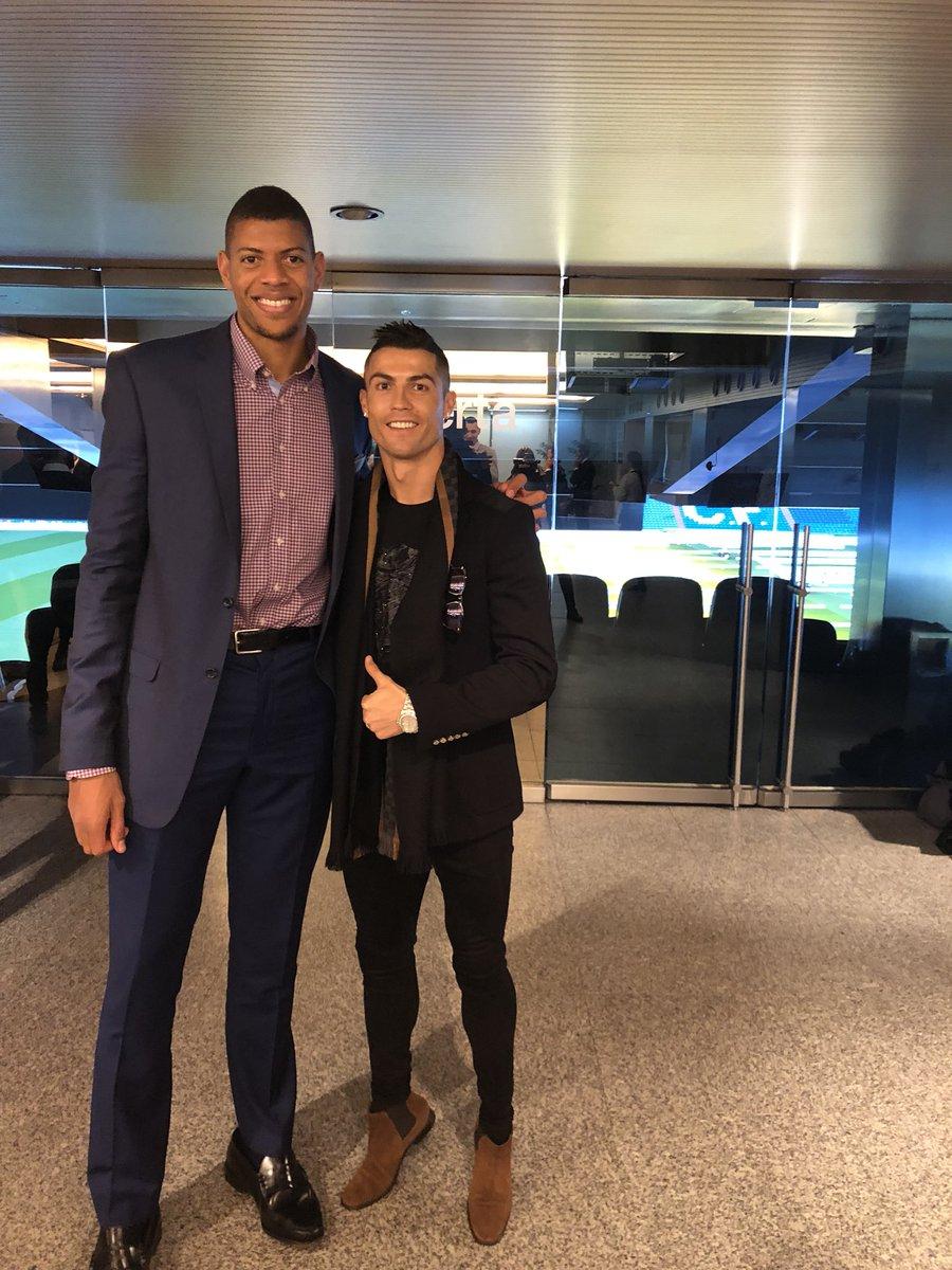 ¿Cuánto mide Cristiano Ronaldo? - Altura y peso - Real height DRWgcdjXcAAqoXr