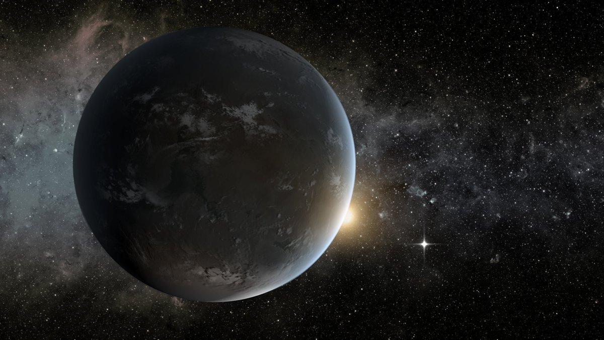 ... Kepler-62f, y Kepler-62e, en el centro de la imagen, brilla como una  estrella (con cuatro puntas de luz). Ambos están a 1.200 años-luz de  distancia del ...