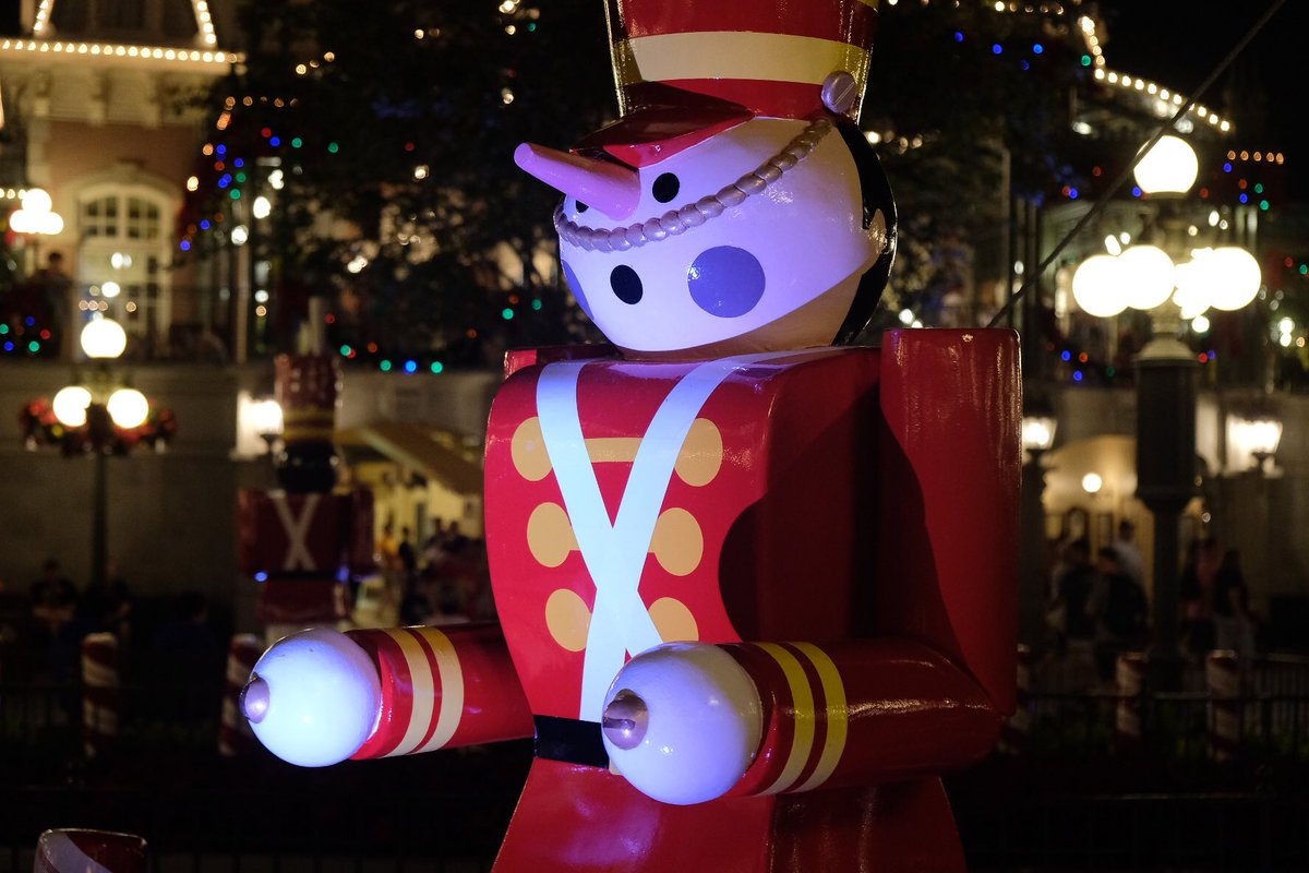inside the magic on twitter some views of christmas decorations around main street usa at magic kingdom christmas waltdisneyworld - Magic Kingdom Christmas Decorations 2017