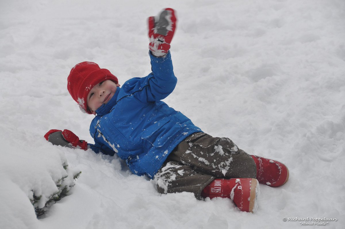 Een witte kerst zal waarschijnlijk niet onder de boom liggen, geen winters weer in de vooruitzichten. Op 19/12/2010 lag er wel een beetje sneeuw, die smolt weg met de kerst tot een natte smurrie. Oftewel, voorlopig maar aangenaam vertoeven met die temperaturen zo rond de 8°C.