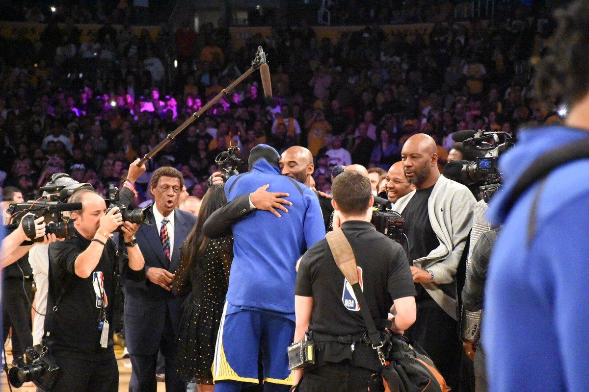 【影片】無上榮耀!科比8號24號球衣正式退役 全場高呼Kobe-Haters-黑特籃球NBA新聞影音圖片分享社區
