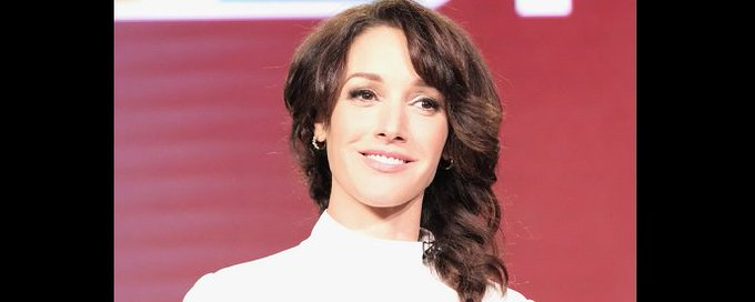 Happy Birthday to actress and a former teen model Jennifer Beals (born December 19, 1963).