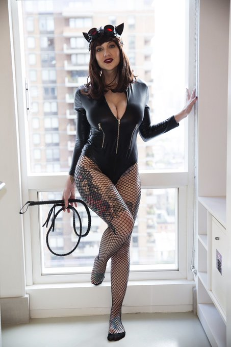Catwoman 🖤 https://t.co/HzCQTKPuSm