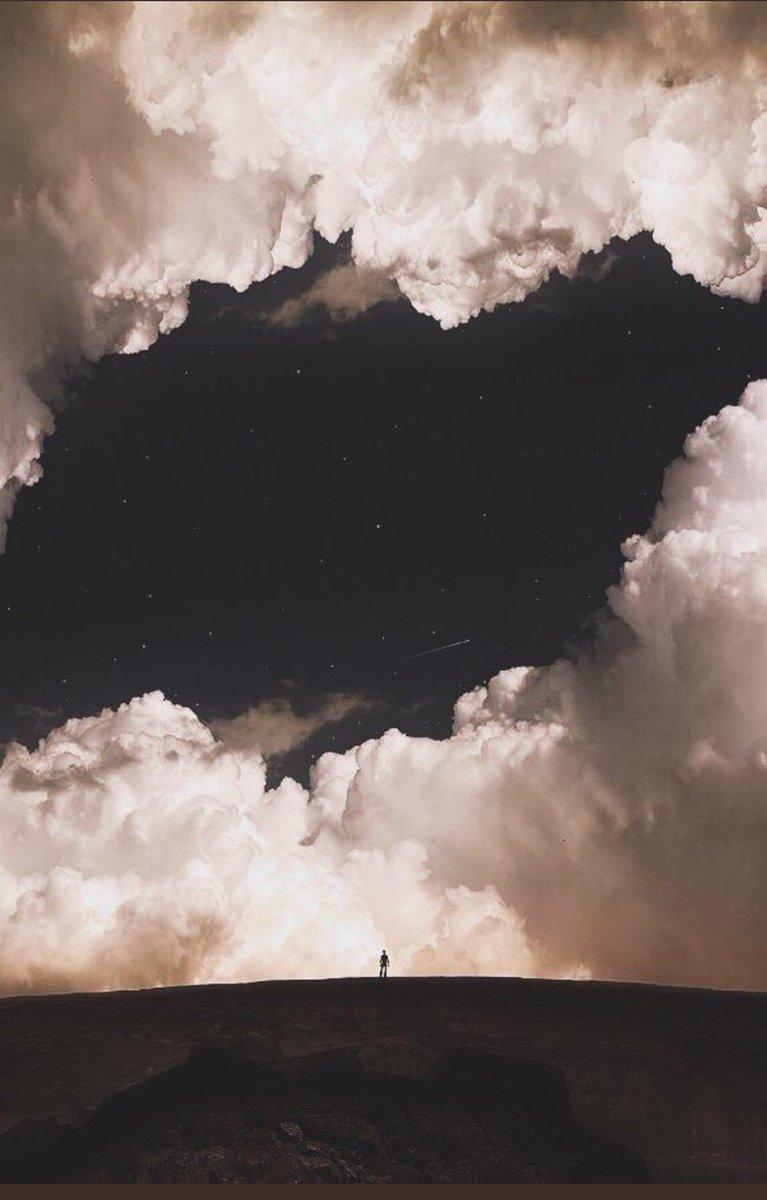 RT @1_Aqwal: ما ابعد السماء وما اقرب الله . https://t.co/8DDPHj9CAj