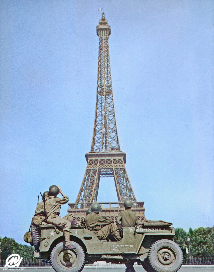 DRbH8oKXkAE83D1?format=jpg&name=900x900 - The Eiffel Tower's 130th anniversary!