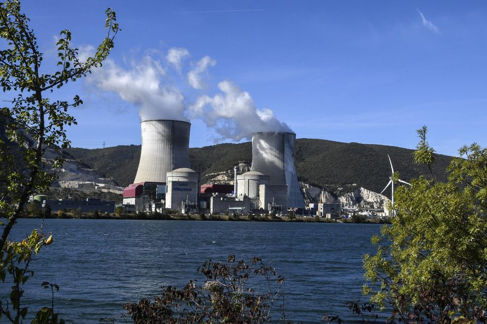 #QUESTION : Doit-on choisir entre le #charbon et le #nucléaire?  http://www.liberation.fr/debats/2017/12/18/doit-on-choisir-entre-le-charbon-et-le-nucleaire_1617434… via @libe