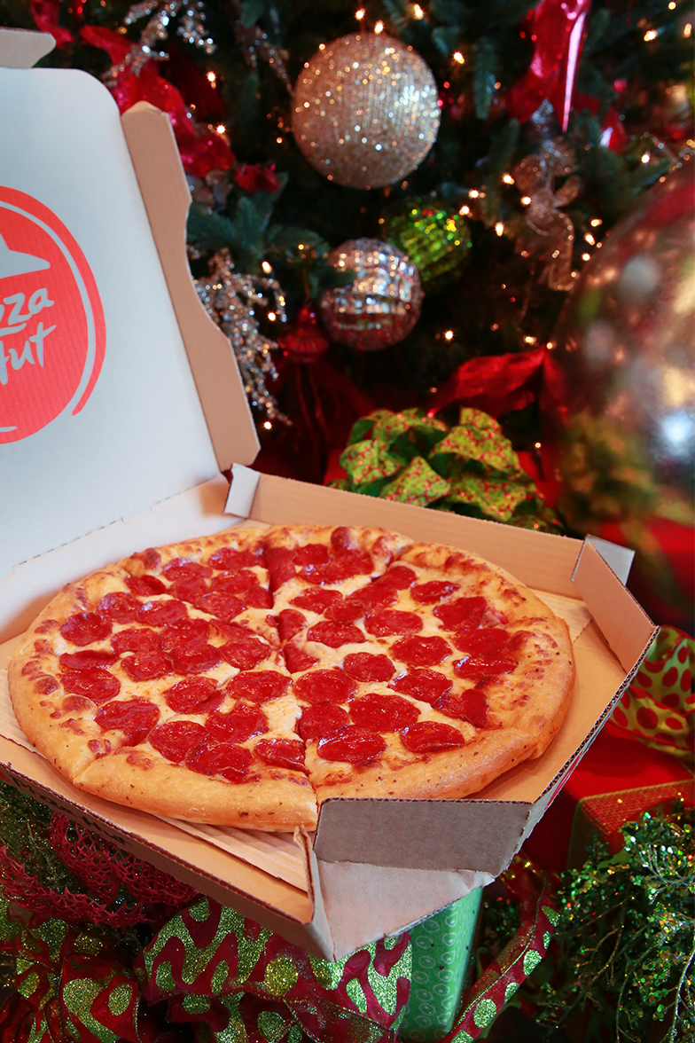 Is Pizza Hut Open On Christmas.Pizza Hut On Twitter Doorbells Ring Are You Listening