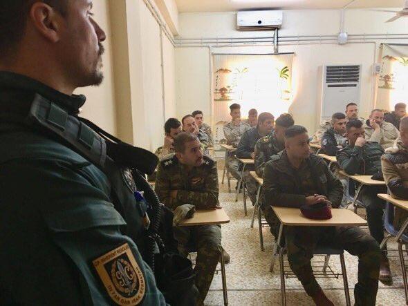 قوات التحالف الدولي تدرب وتجهز قوات حرس الحدود العراقيه  DRdtOaBX0AI89h8