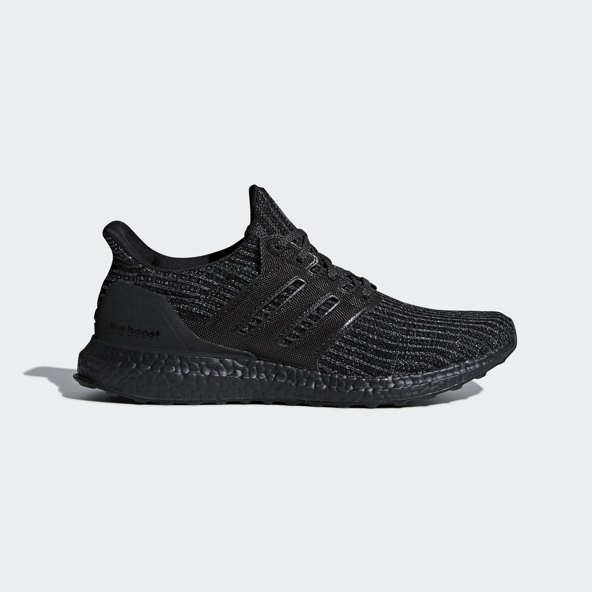 f0f4061b062 Sizes selling out on  FinishLine. adidas Ultra Boost 4.0 Triple Black. —   http   bit.ly 2BEATv2 pic.twitter.com InPE6hnfsD