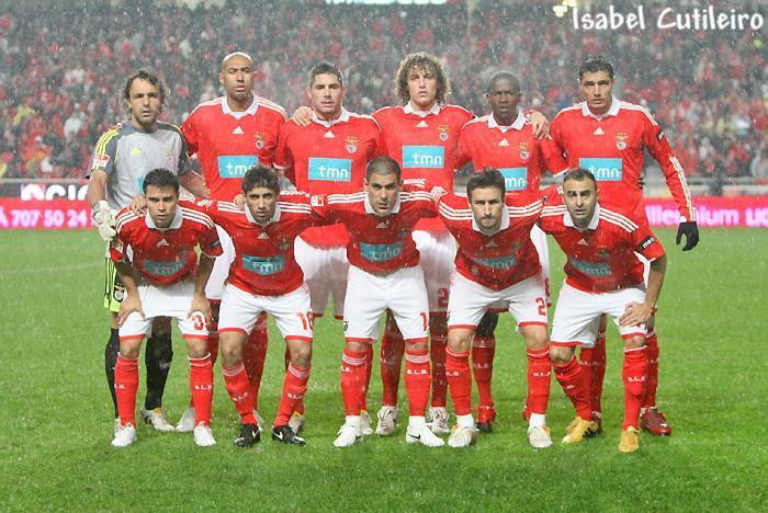 #NesteDia: em 2009, um golo de @JavierSaviolaOK é suficiente para o @SLBenfica vencer o @FCPorto (1-0) e continuar no topo da tabela a par do Braga.