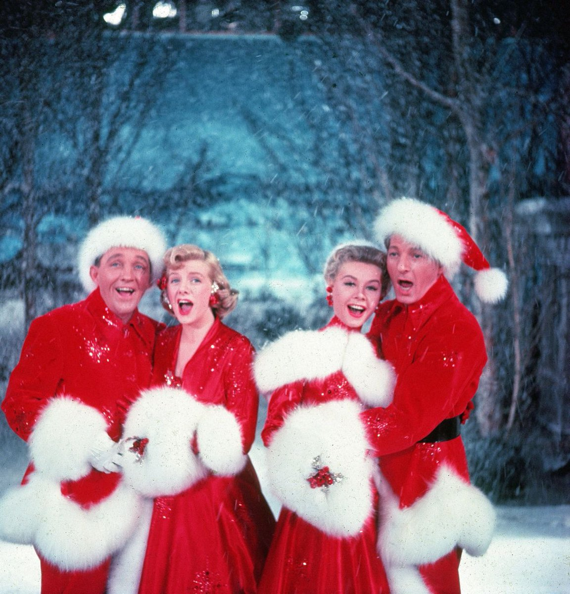 Might Not Believe This Butthe Fake Snow In The Wizard Of Oz 1939 And White Christmas 1954 Was Made Asbestos Tco ElptEWtBEb
