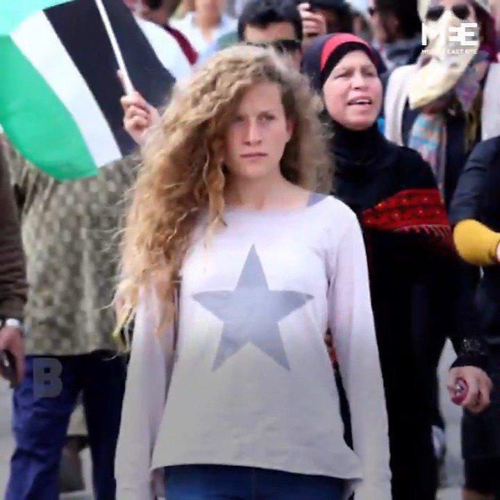 #FF  Ahed Tamimi (17 ans), kidnappée par les troupes sionistes d'Israël le 19 décembre 2017. Ne Pas l\
