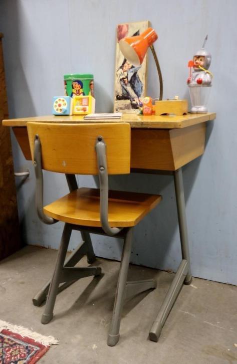 Kinderstoel opklaptafel schoolset vintage industrieel for Barok eetstoelen