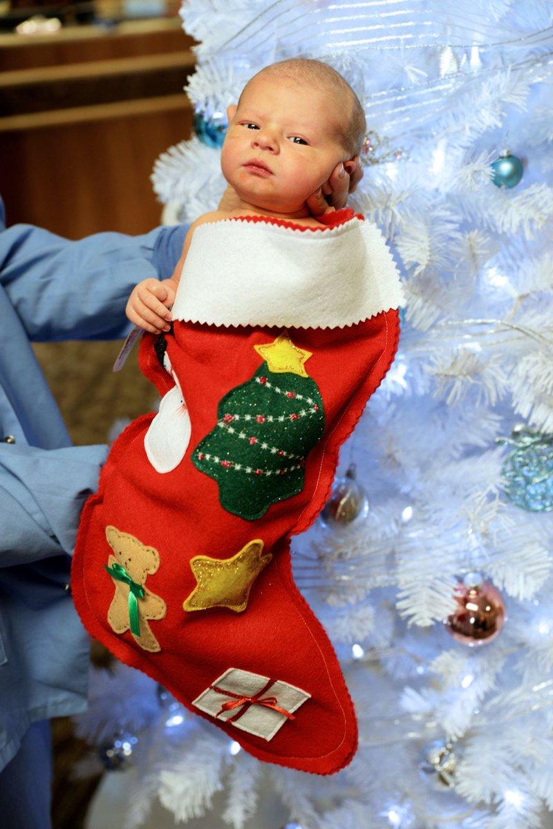 Newborns at Hendricks Regional Hospital going home with stockings this month #SoCute https://t.co/XIXwsXt8Ap