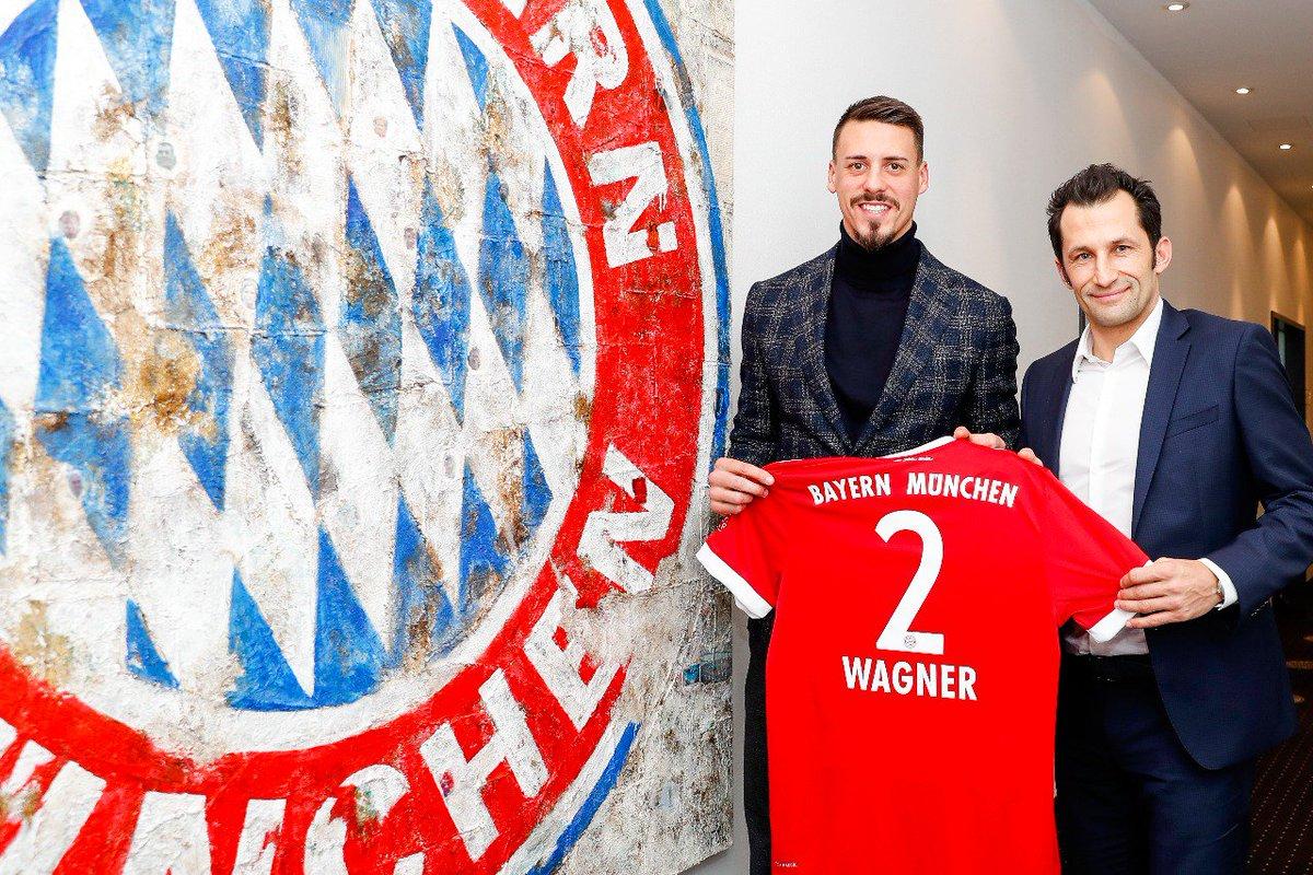 #FCBayern verpflichtet Nationalstürmer #...