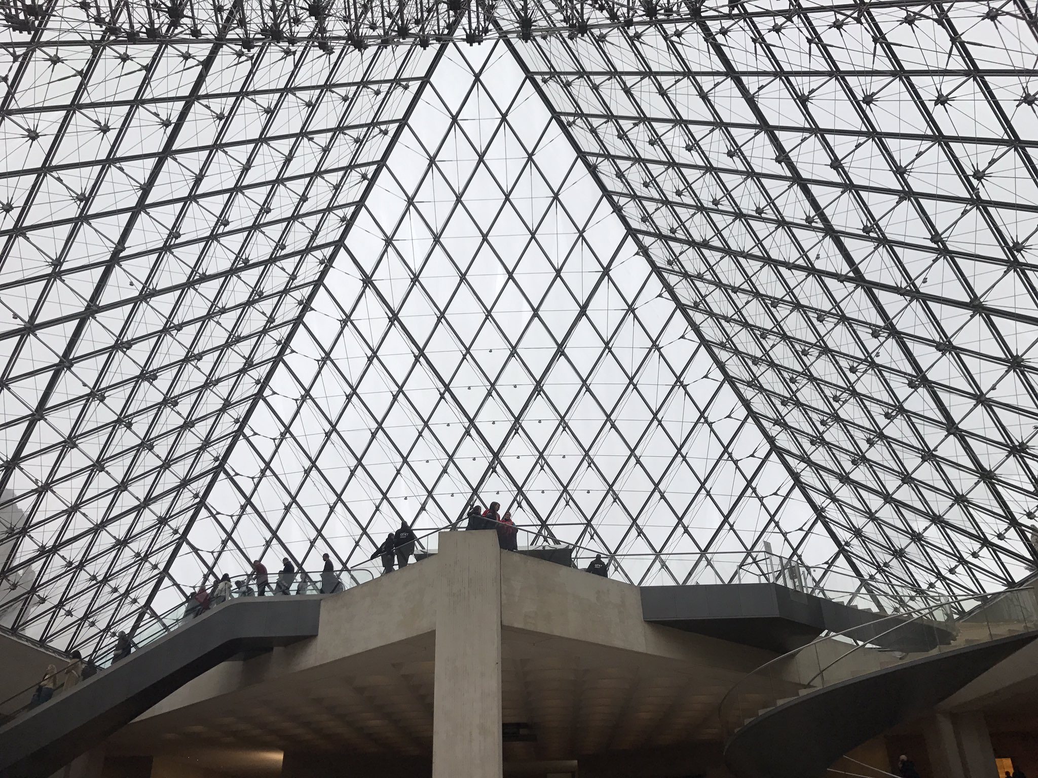 """Fatimata Kane on Twitter: """"Le Louvre en chantierNettoyage du"""