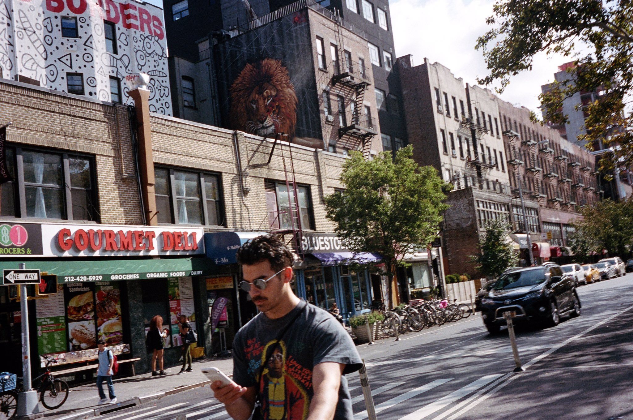tbt nyc dayz with @MikeyDeleasa & @RichardChai https://t.co/Cp5rBpfVAr