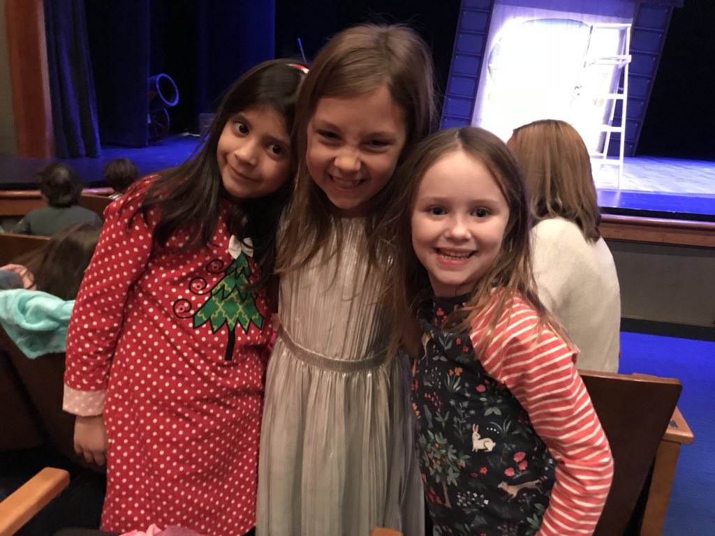 Seeing Mr. Poppers Penguins at the Kennedy Center! Happy holidays! <a target='_blank' href='http://search.twitter.com/search?q=rachlin'><a target='_blank' href='https://twitter.com/hashtag/rachlin?src=hash'>#rachlin</a></a> <a target='_blank' href='http://twitter.com/HaroldPell'>@HaroldPell</a> <a target='_blank' href='http://search.twitter.com/search?q=ztroar'><a target='_blank' href='https://twitter.com/hashtag/ztroar?src=hash'>#ztroar</a></a> <a target='_blank' href='https://t.co/RMfTBmiFOy'>https://t.co/RMfTBmiFOy</a>