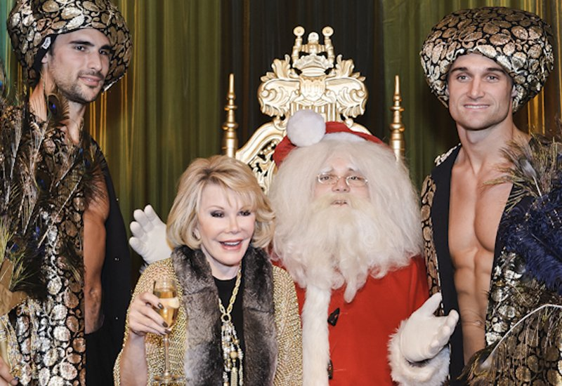 #TBT from @MelRivers: My, how Santa's elves have changed! https://t.co/kJEZqwCFxU