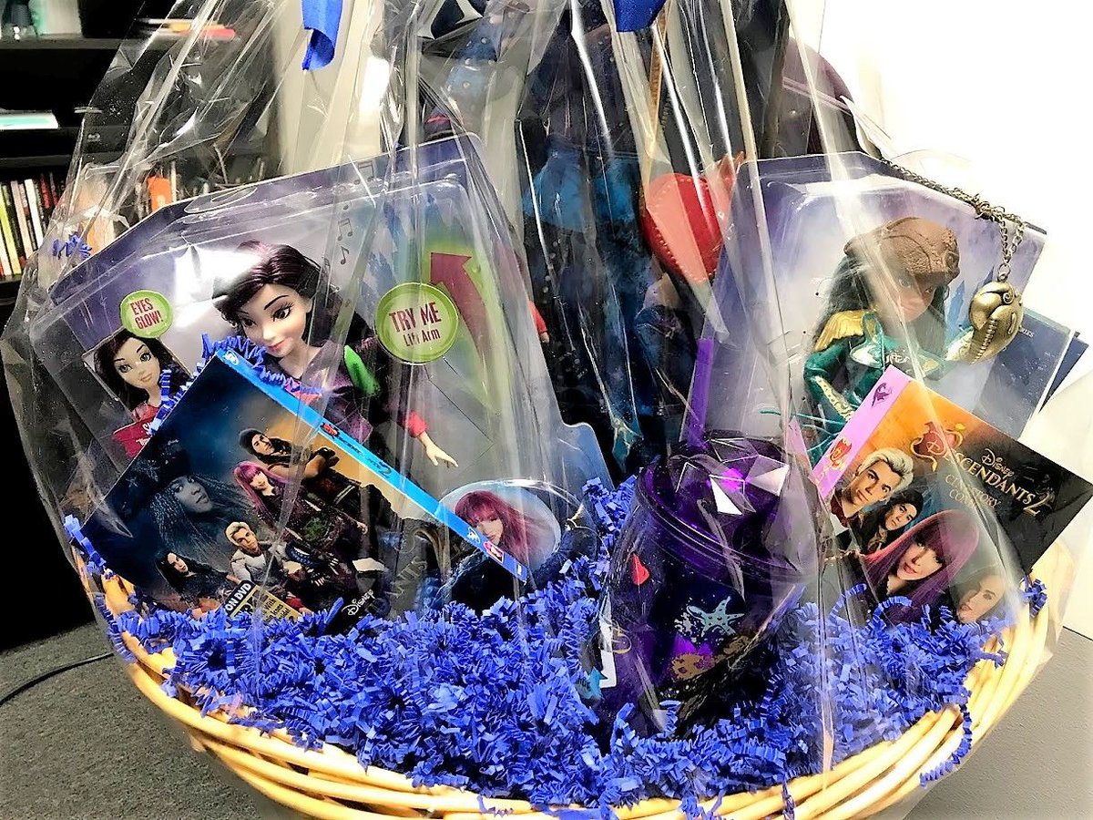 imagen foundation on twitter youre one click away from bidding on the perfect christmas gift this season this descendants 2 gift basket is the perfect
