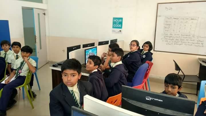 Robo G On Twitter At Vishnuagarwal1 Taking Hour Of Code Session At