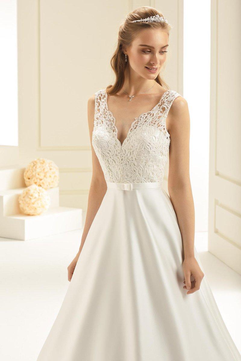 10c94812c Nos acaba de entrar AVALON un vestido de novia para enamorar y enamorarse.  Ven a verlo
