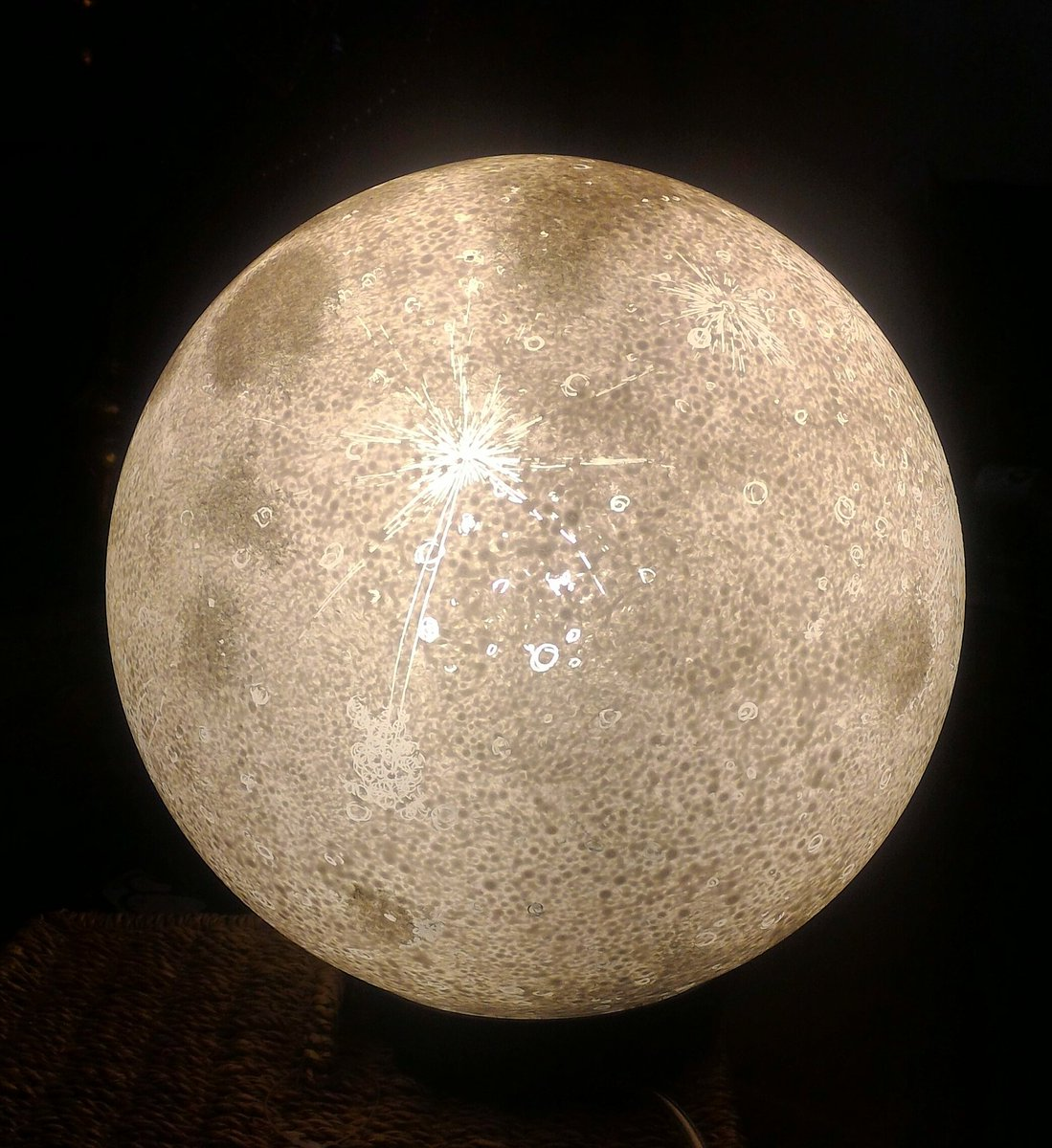 Robert fitzsimons on twitter just received an early christmas robert fitzsimons on twitter just received an early christmas present for myself a hand painted moon lamp from pulsarmoonlight the realistic moons and solutioingenieria Choice Image