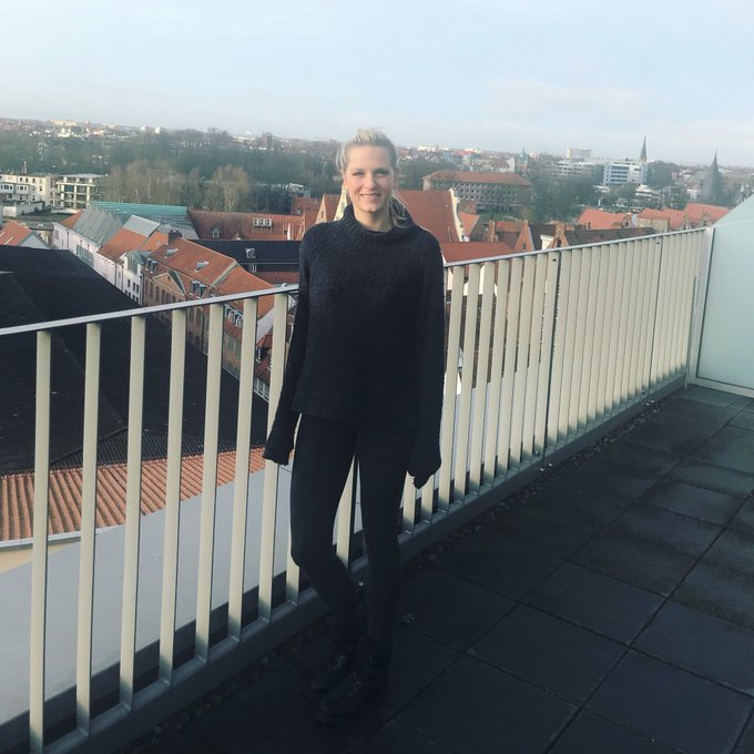 Wochenende 🎉🎅🏻💃  #weihnachten #zweitagenoch #schnuggie91 #mydirtyhobby #blonde #girl https://t.co/lf