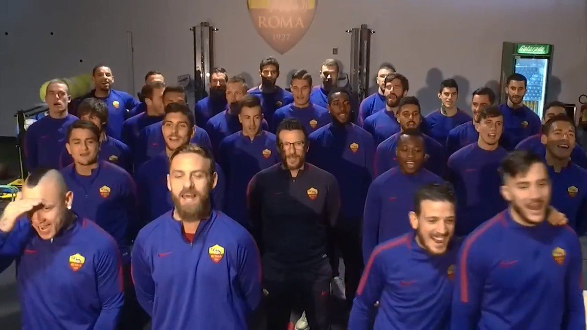 RT @OfficialASRoma: FORZA FORZA ROMA ALÉ! 💛❤️  #ASRoma https://t.co/Mg6FQX7Ffo